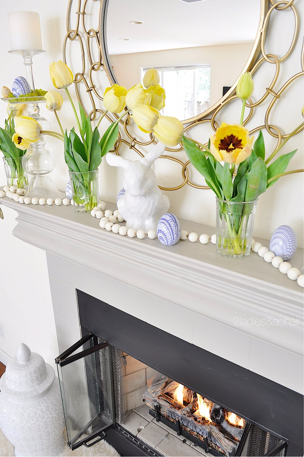 easter mantel decor IMG_1905.JPG