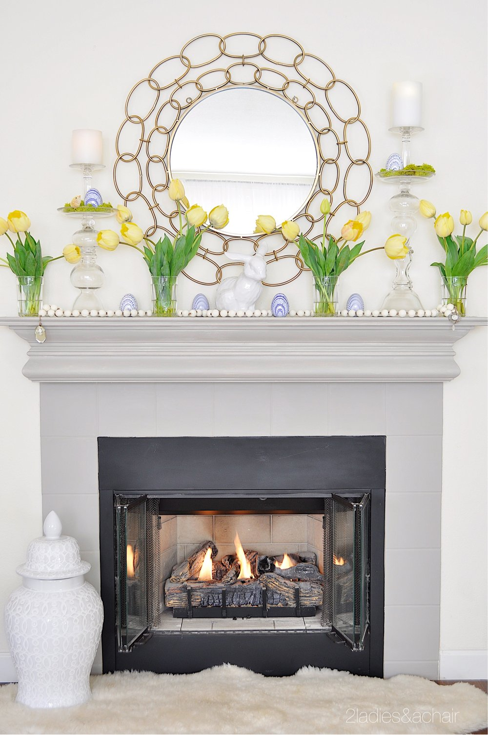 easter mantel decor IMG_1890.JPG