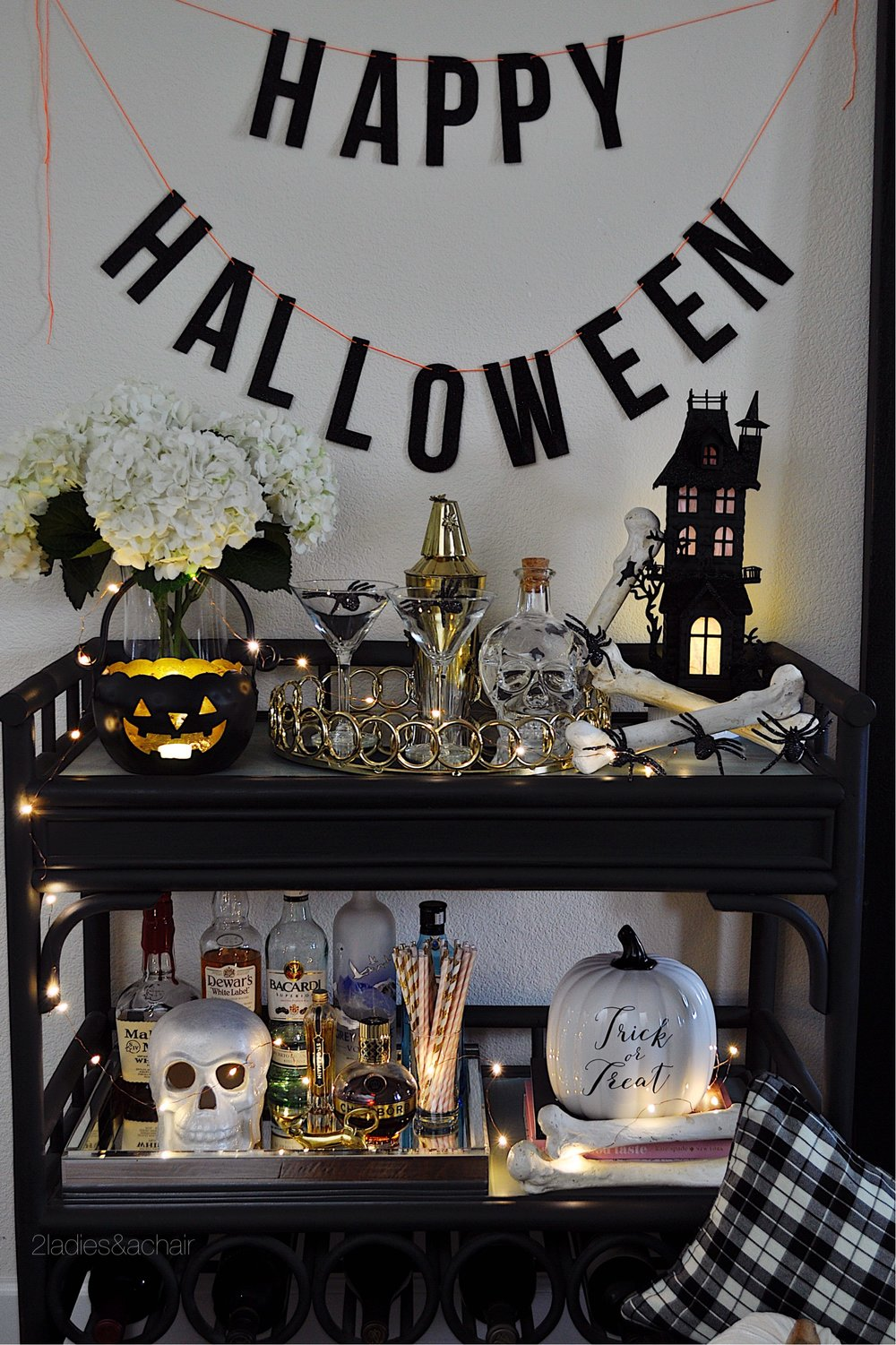 Incredible Easy And Spooky Halloween Decorating Ideas 2 Ladies A Chair Inzonedesignstudio Interior Chair Design Inzonedesignstudiocom