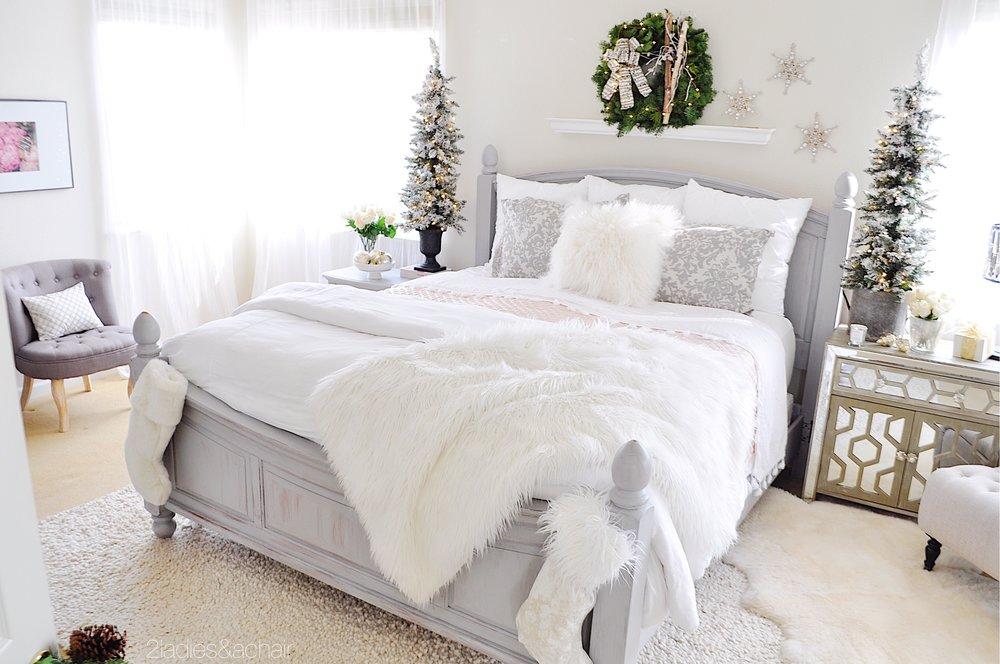christmas bedroom decor IMG_9889.JPG