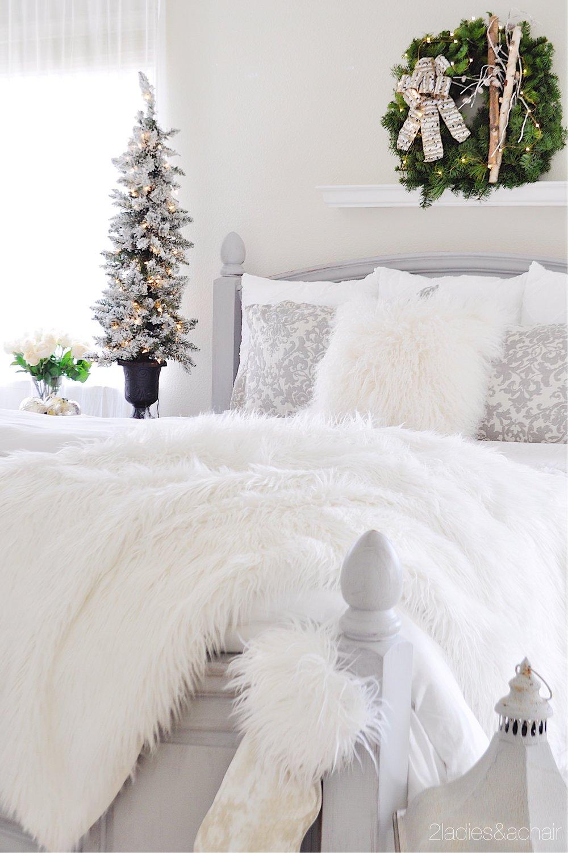 christmas bedroom decor IMG_9878.JPG