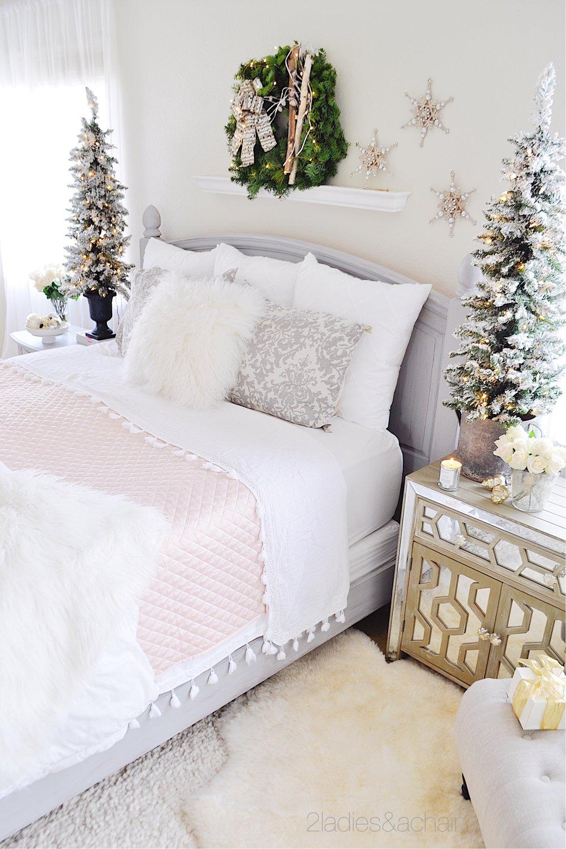 christmas bedroom decor IMG_9866.JPG