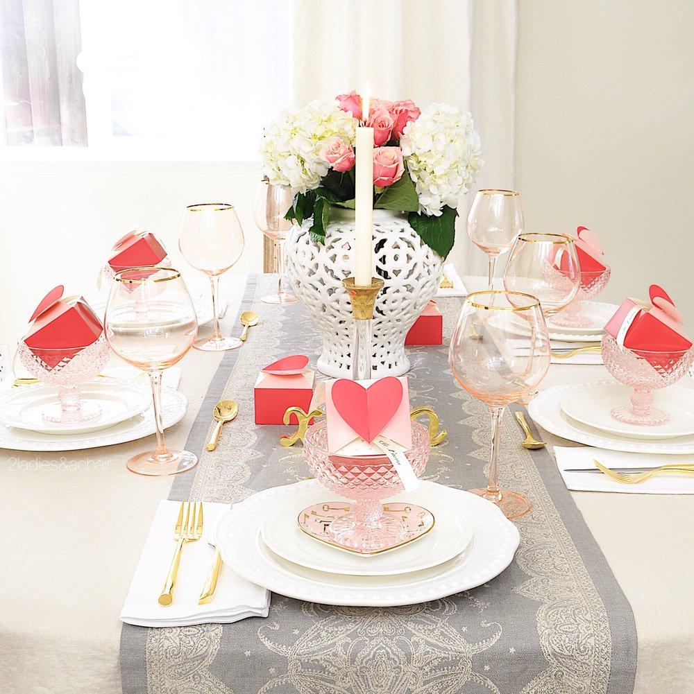 valentines day table decor IMG_0332.JPG