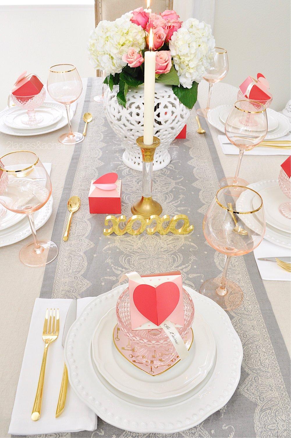 valentines day table decor IMG_0346.JPG