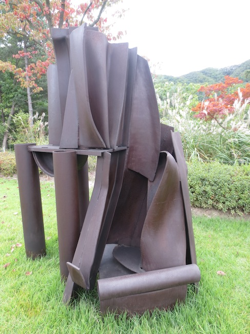 """Temple"" (1990), by Anthony Caro."