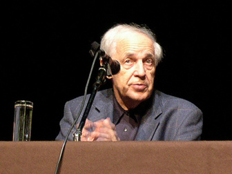 Pierre Boulez at the Palais des Beaux-Arts, Brussels, Belgium (2004).  Photo by Franganillo. Source: https://commons.wikimedia.org