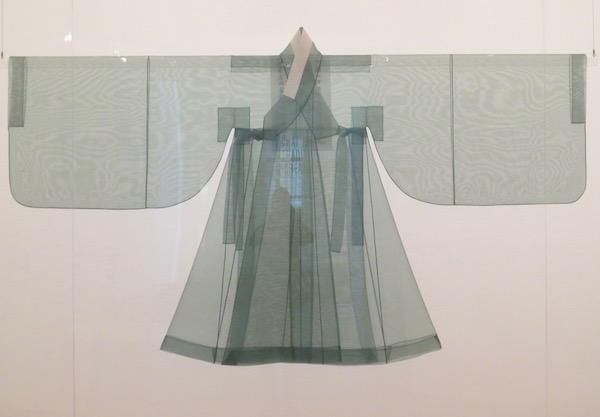 Reconstruction of King Yeongjo's outer robe ( dopo ), based on pre-1740 garment, silk.