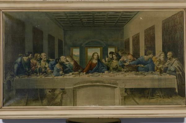 """""""The Last Supper"""" (1495-98), by Leonardo da Vinci. Refectory of Santa Maria delle Grazie, Milan. Source:  commons.wikimedia.org"""