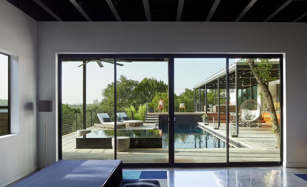 20 Via Media Residence by Matt Fajkus Architecture. Photography by Leonid_Furmansky.jpg