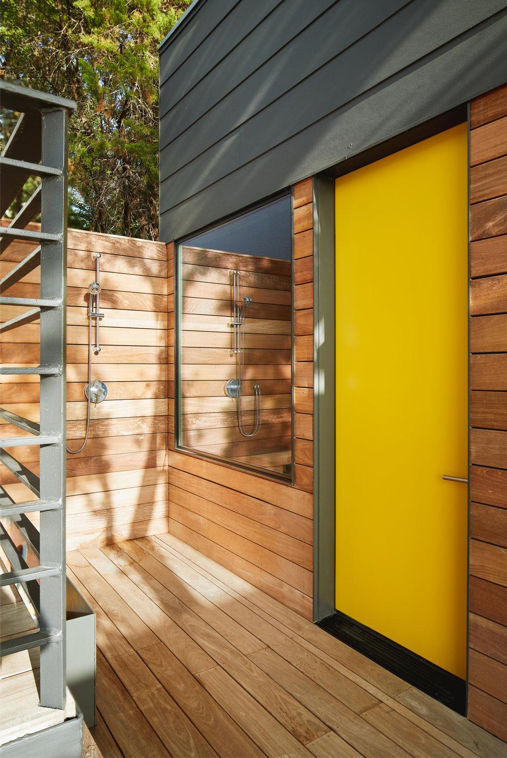 23 Via Media Residence by Matt Fajkus Architecture. Photography by Leonid_Furmansky.jpg