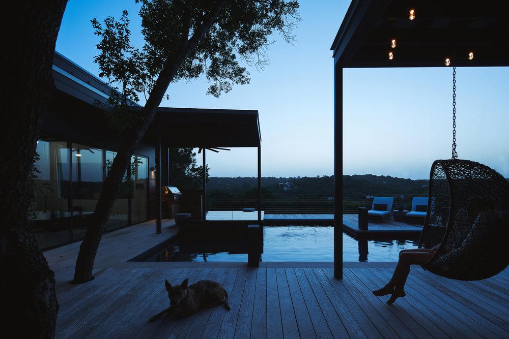 27 Via Media Residence by Matt Fajkus Architecture. Photography by Leonid_Furmansky.jpg