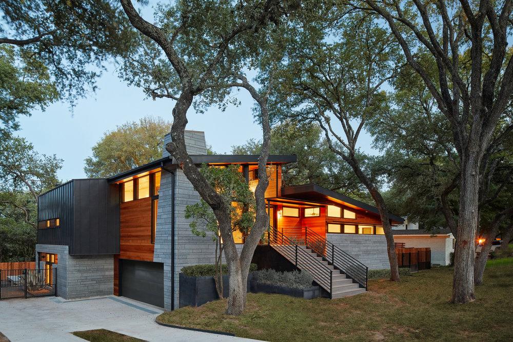 02-Ridgewood Residence by Matt Fajkus Architecture. Photo by Leonid Furmansky.jpg
