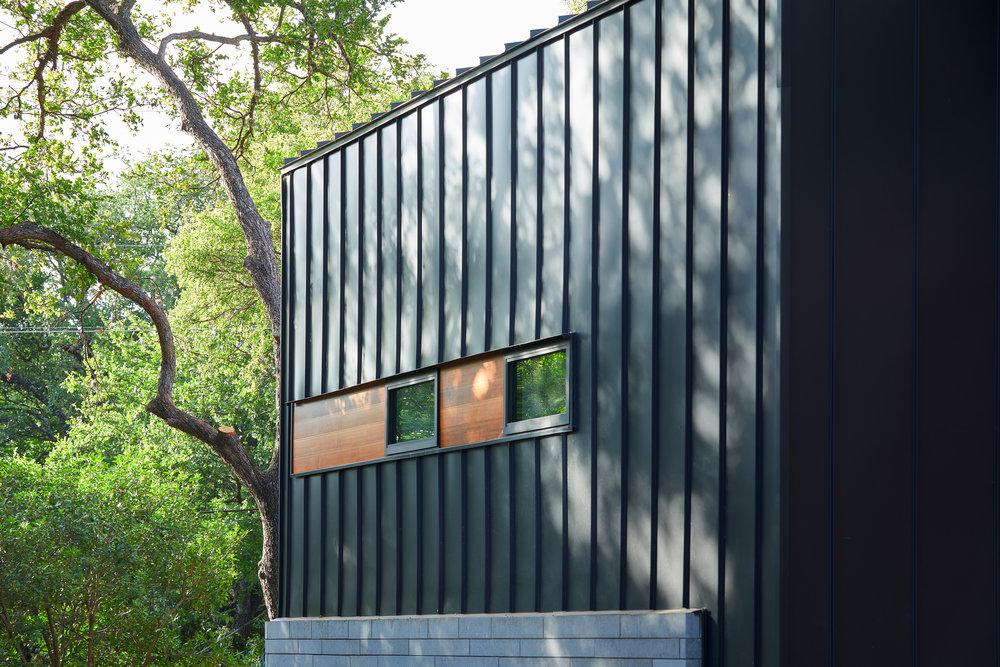 20-Ridgewood Residence by Matt Fajkus Architecture. Photo by Leonid Furmansky.jpg