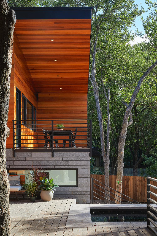 24-Ridgewood Residence by Matt Fajkus Architecture. Photo by Leonid Furmansky.jpg