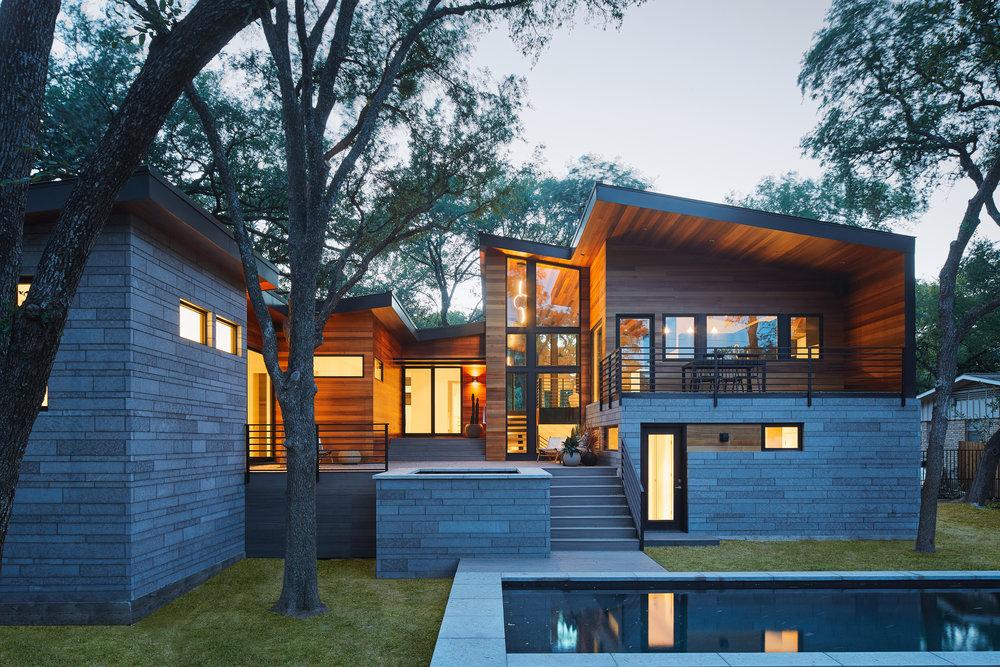 30-Ridgewood Residence by Matt Fajkus Architecture. Photo by Leonid Furmansky.jpg