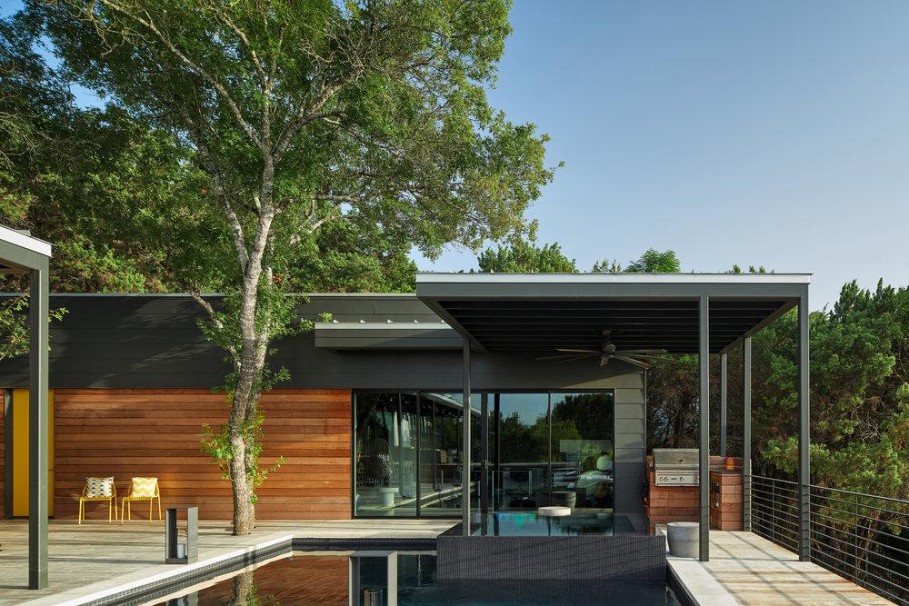 19 Via Media Residence by Matt Fajkus Architecture. Photography by Leonid_Furmansky.jpg