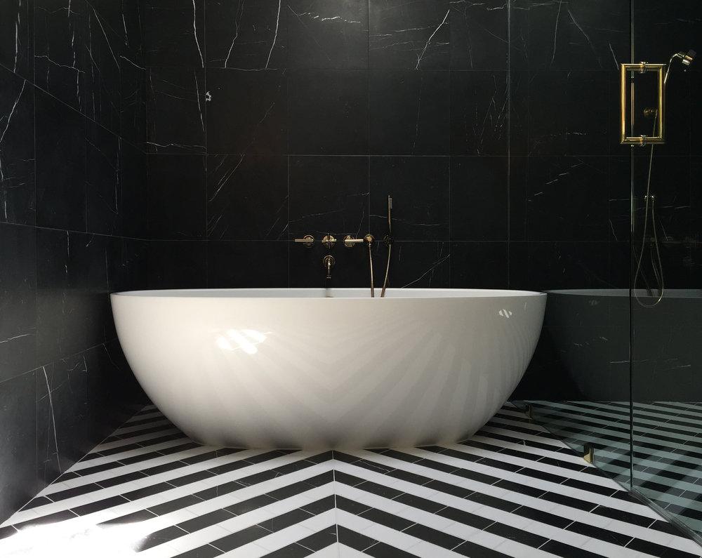 01 Binary Bathroom by Matt Fajkus Architecture.jpg