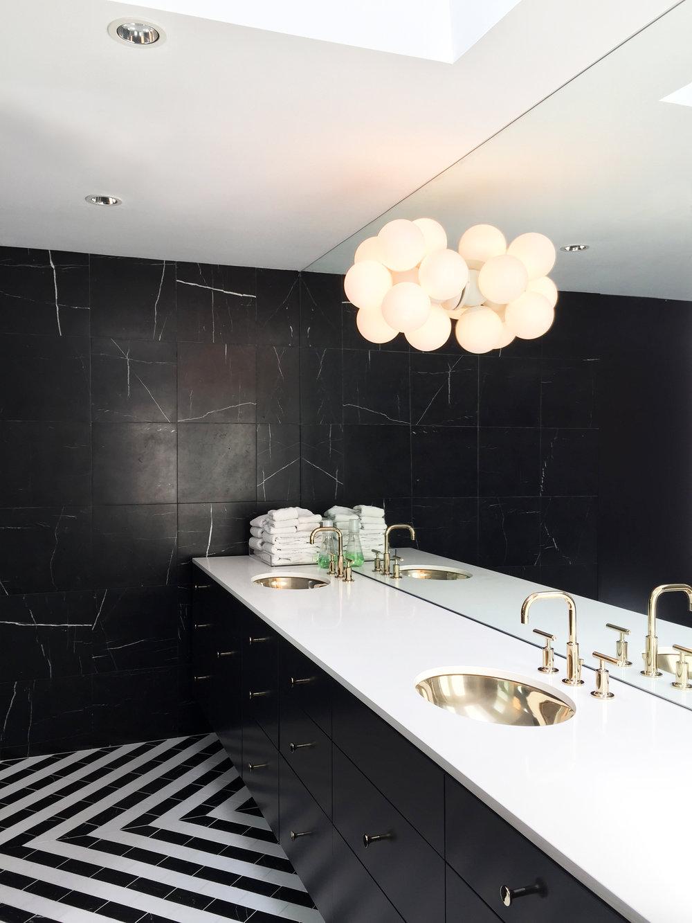 03 Binary Bathroom by Matt Fajkus Architecture.jpg