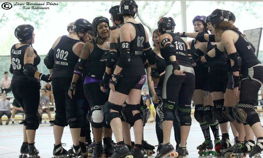 "Brawlstars get psyched up before playing Grand Raggidy Roller Girls, August 2, 2014 at Buhr Park. / ""Lance Hardwood"" Photos"