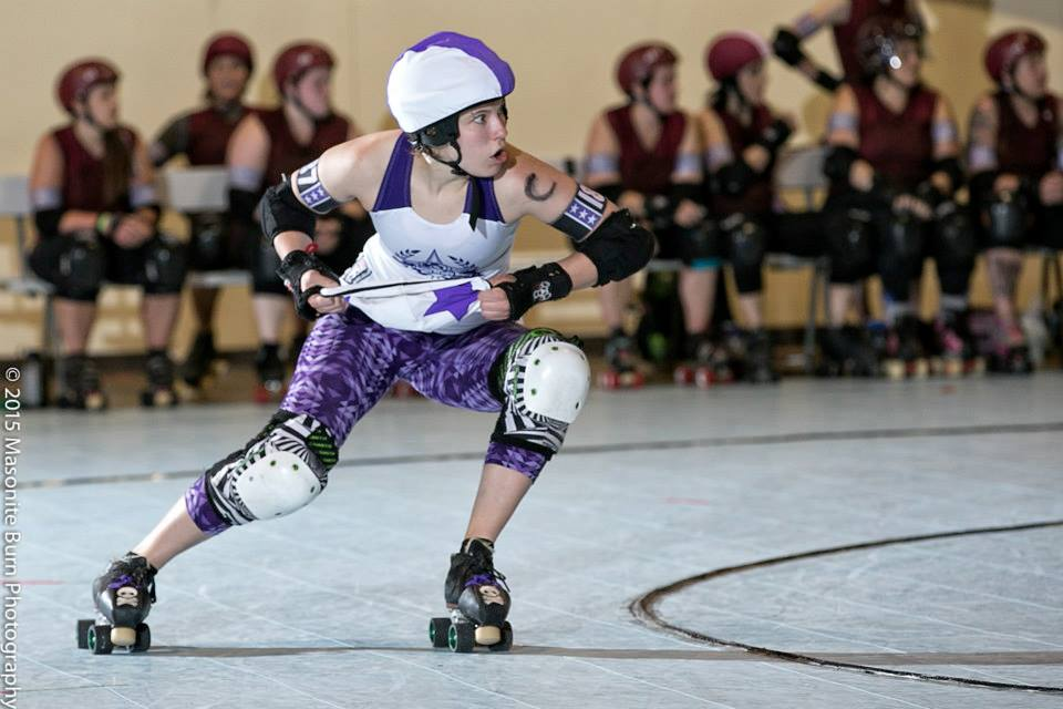 Slamlet wears many hats for the Brawlstars, in this case changing from pivot to jammer during a star pass at the Big O Tournament last year in Oregon.  Photo by Masonite Burn .