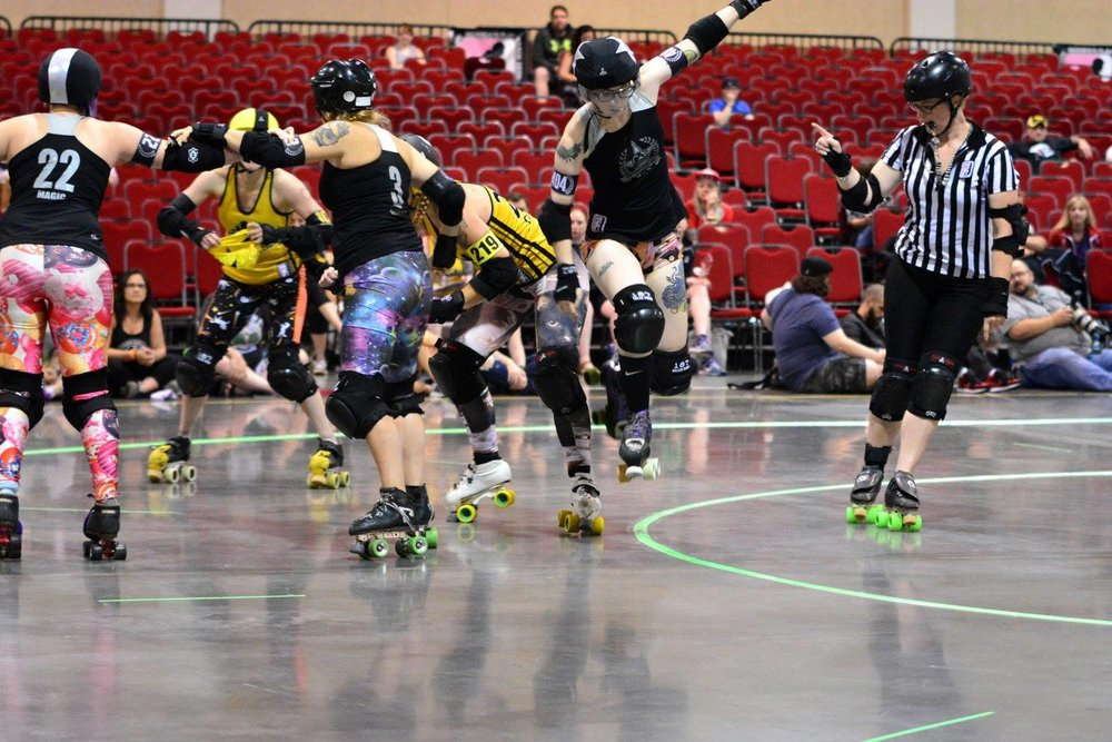 Brawlstars previously faced off against Steel Hurtin' during the WFTDA 2016 D1 Playoffs. Photo by Daniel Whitaker.