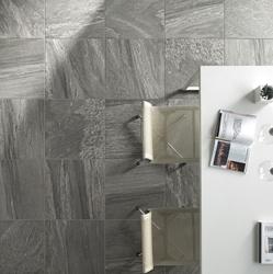 Belle céramique grise 24x24 salle à diner