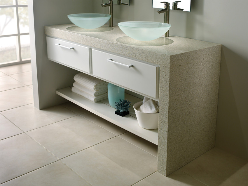 comptoir quartz silestone beige avec vasques en verre et retombé salle de bain.jpg