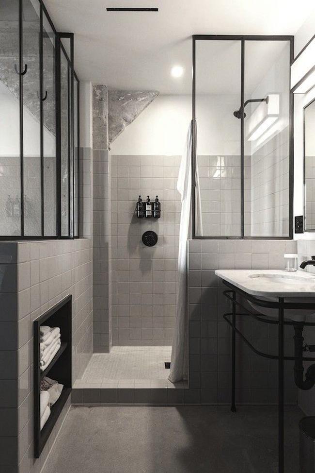 Céramique grise comptoir marbre carrara salle de bain industriel