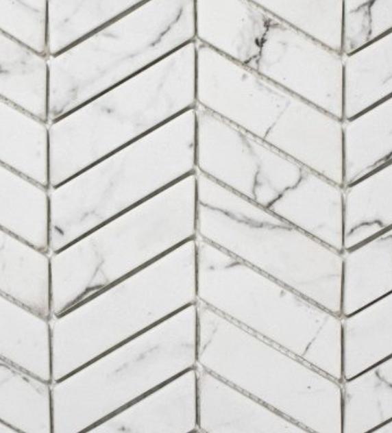 La Tuilerie Rive-Nord ceramique mur chevron imitation marbre statuario
