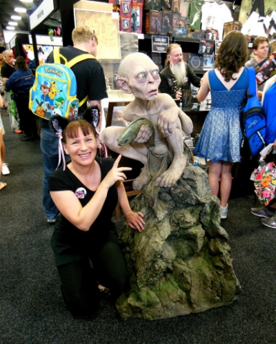 November 16, Day 1 of Supanova pop culture in Adelaide and here's a shot of member - Ilona with an ugly little critter!