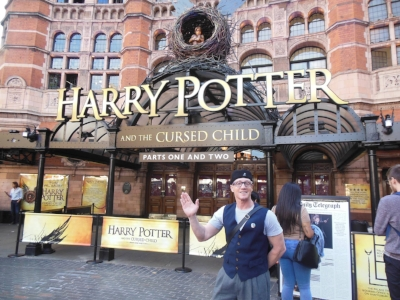 Our next stage of our global pop culture tour was in London to visit the Harry Potter Museum and new theatre production of which the latest book is based and pictured here is Starship Mawson Event Director - Stu Blair, all set for a great night of theatre!