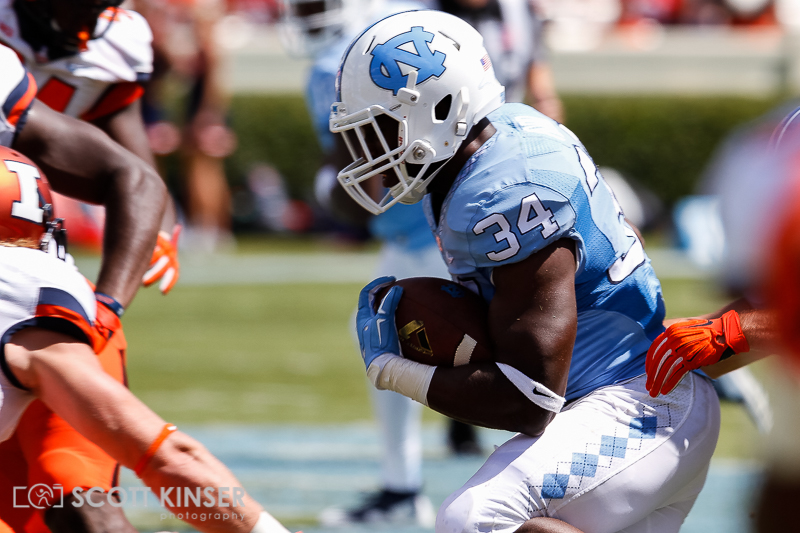 September 19, 2015: Elijah Hood (34) of the North Carolina Tar Heels cuts up field in the first quarter of the NCAA football matchup between the Fighting Illini of Illinois and the North Carolina Tarheels at Kenan Memorial Stadium in Chapel Hill, NC. Scott Kinser/CSM