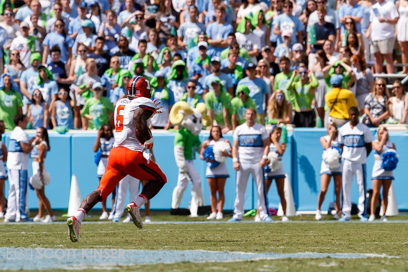 September 19, 2015: Josh Ferguson (6) of the Illinois Fighting Illini breaks a big gain to setup Illinois' first touchdown of the NCAA football matchup between the Fighting Illini of Illinois and the North Carolina Tarheels at Kenan Memorial Stadium in Chapel Hill, NC. Scott Kinser/CSM