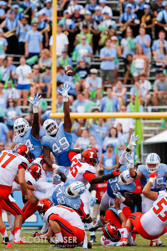 September 19, 2015: NCAA football matchup between the Fighting Illini of Illinois and the North Carolina Tarheels at Kenan Memorial Stadium in Chapel Hill, NC. Scott Kinser/CSM