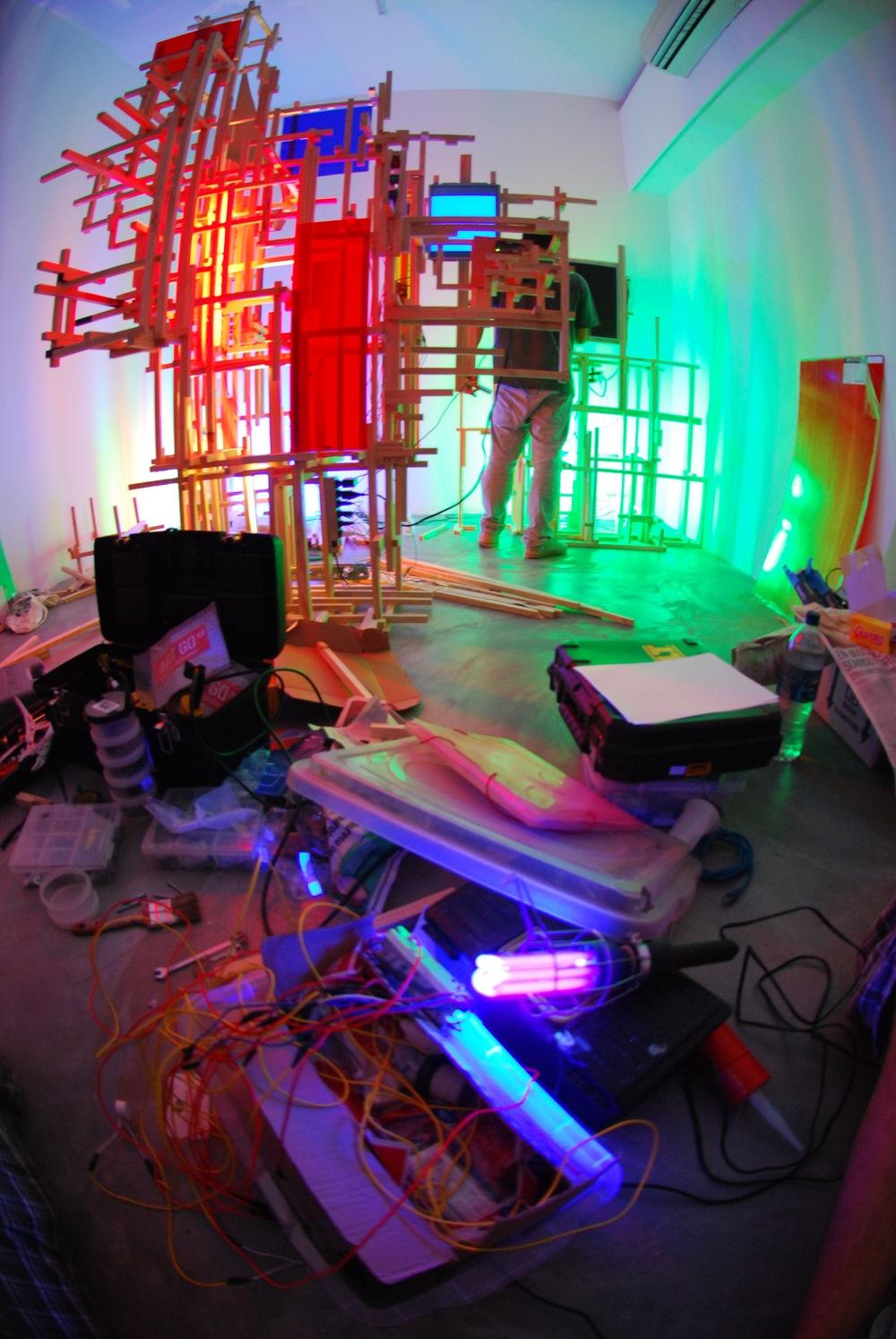 Montagem da Exposição na AmareloNegro - 037.jpg