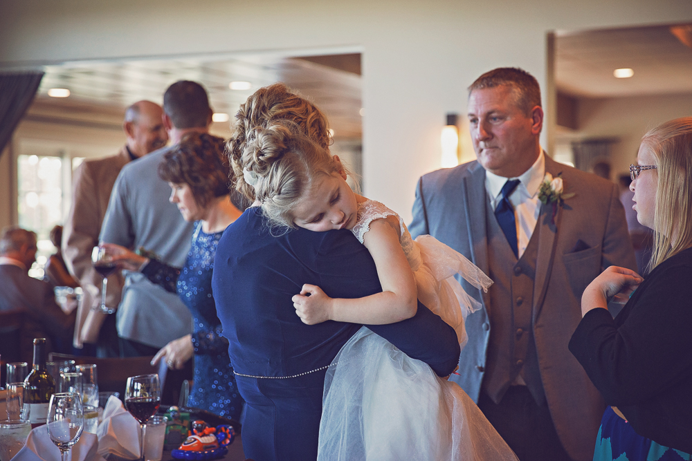 Mankato Wedding Photographer | Tom + Brittany | The Woods | Shoreland Country Club | Intuition Weddings by ID Photography