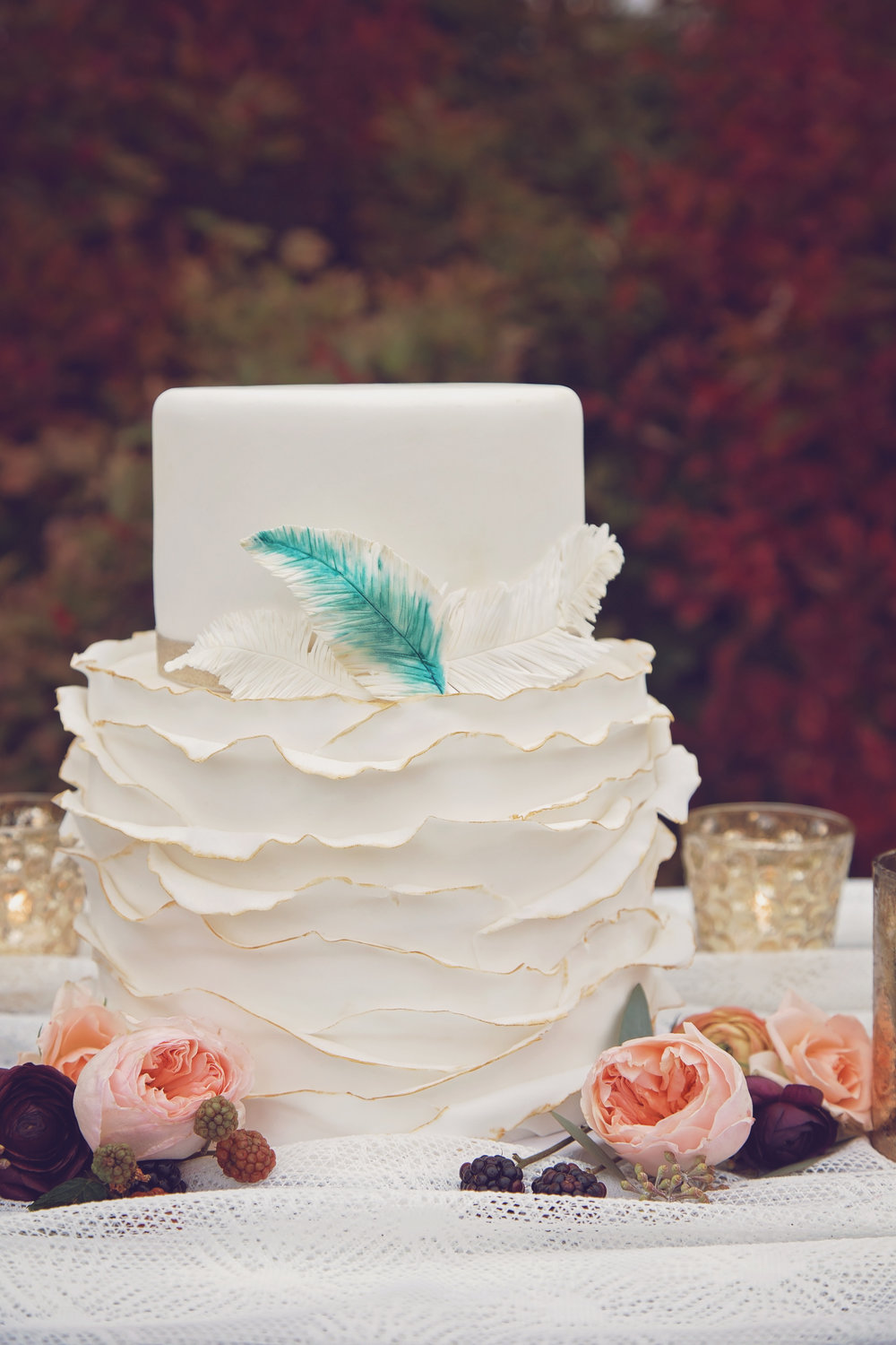 MINNESOTA WEDDING PHOTOGRAPHER | BLOOMING CREATIONS | MEANINGFUL MOMENTS EVENT PLANNING & COORDINATION | Blue Bird Cakery | INTUITION WEDDINGS BY ID PHOTOGRAPHY