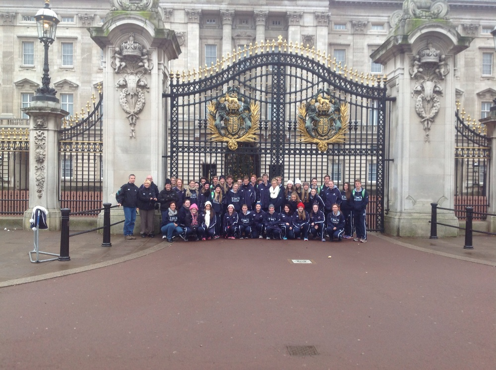 Outside Buckinham Palace