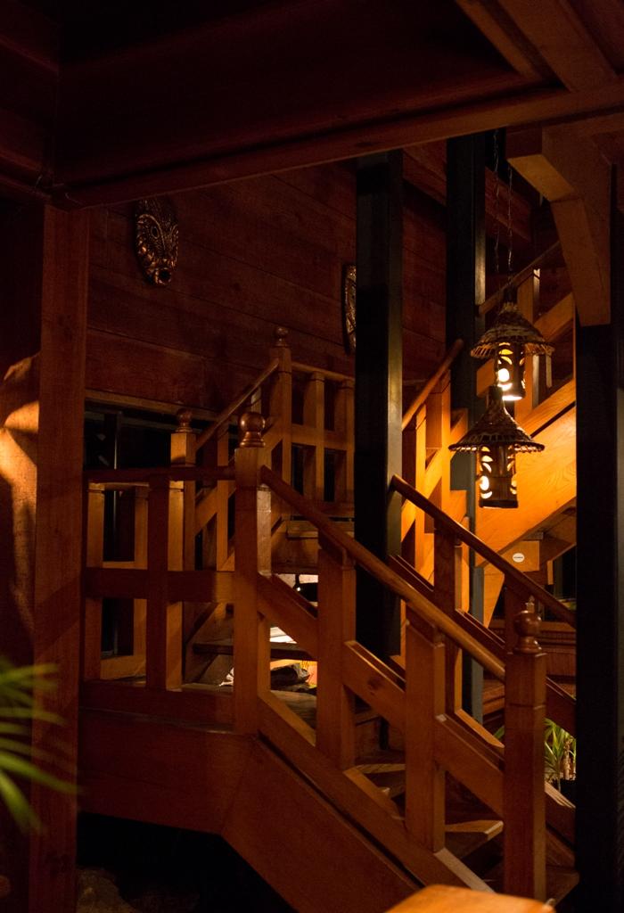 Tiki Stairs.jpg