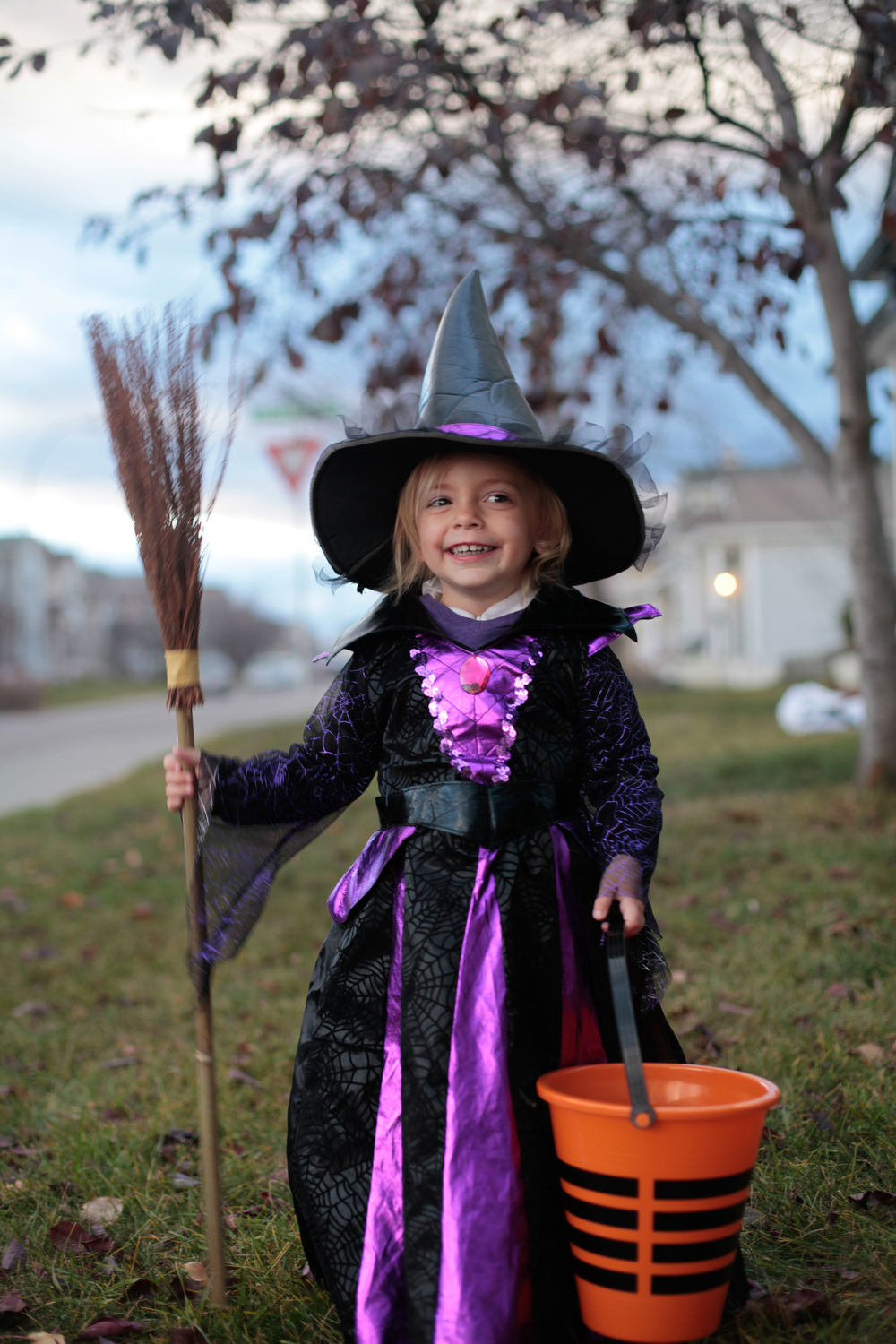 Autumn did not want to be a pretty witch she wanted to be a SCARY witch, but I think shes pulling off a cute witch ;)