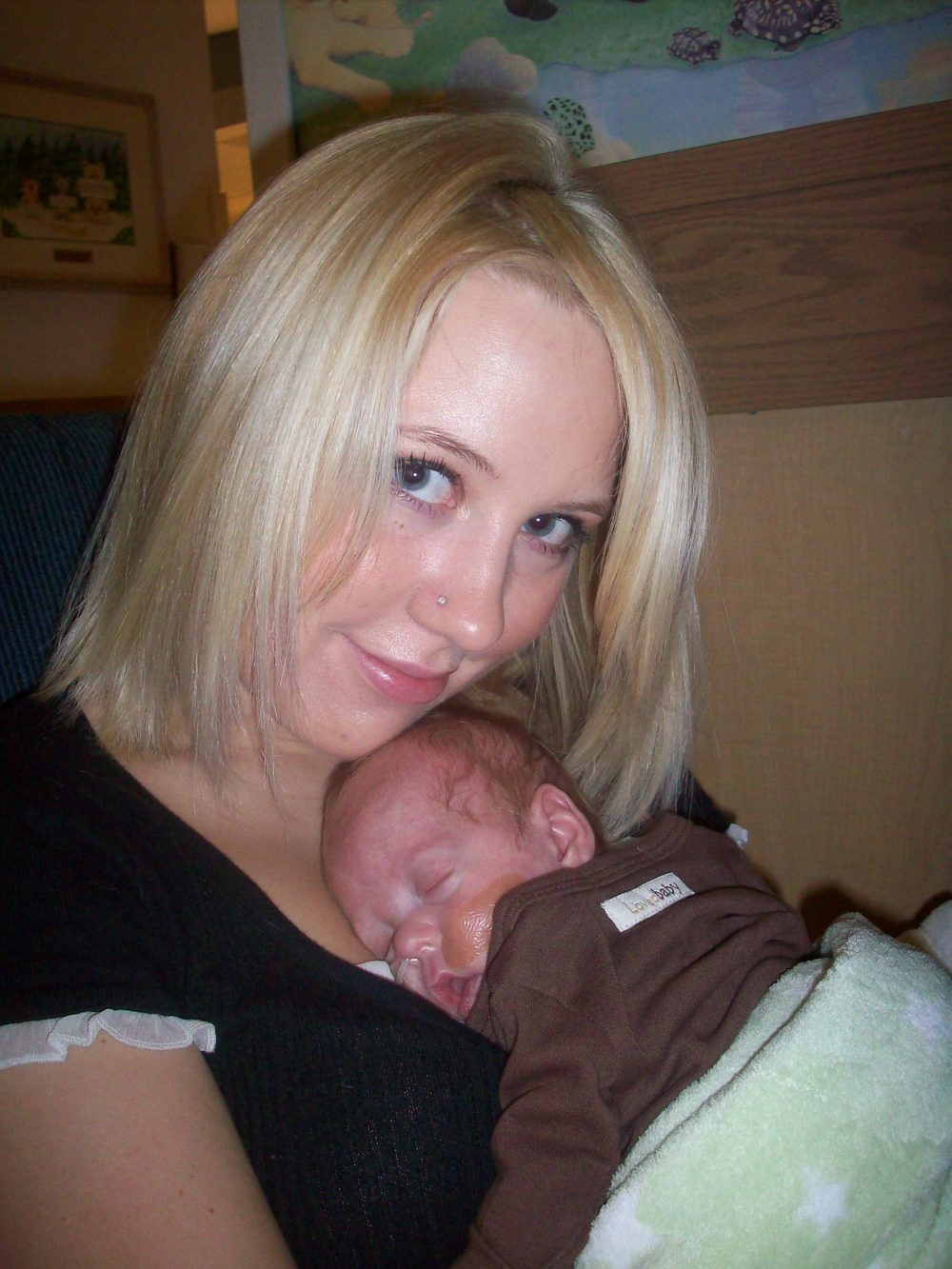 this was in october 2008 once Lincoln was stable and well at Rockyview NICU now, he was 3 pounds and finally gainging weight:)