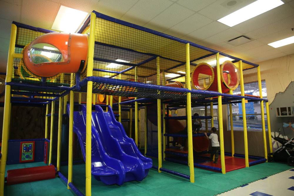 the kinderoom up in the leisure centre where we had Rys party, such an easy place to do it!