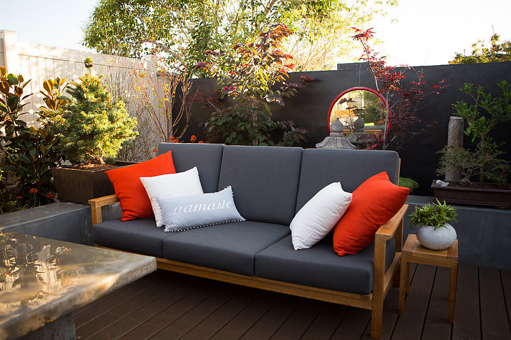 backyard entertaining teak seating lounge.jpg