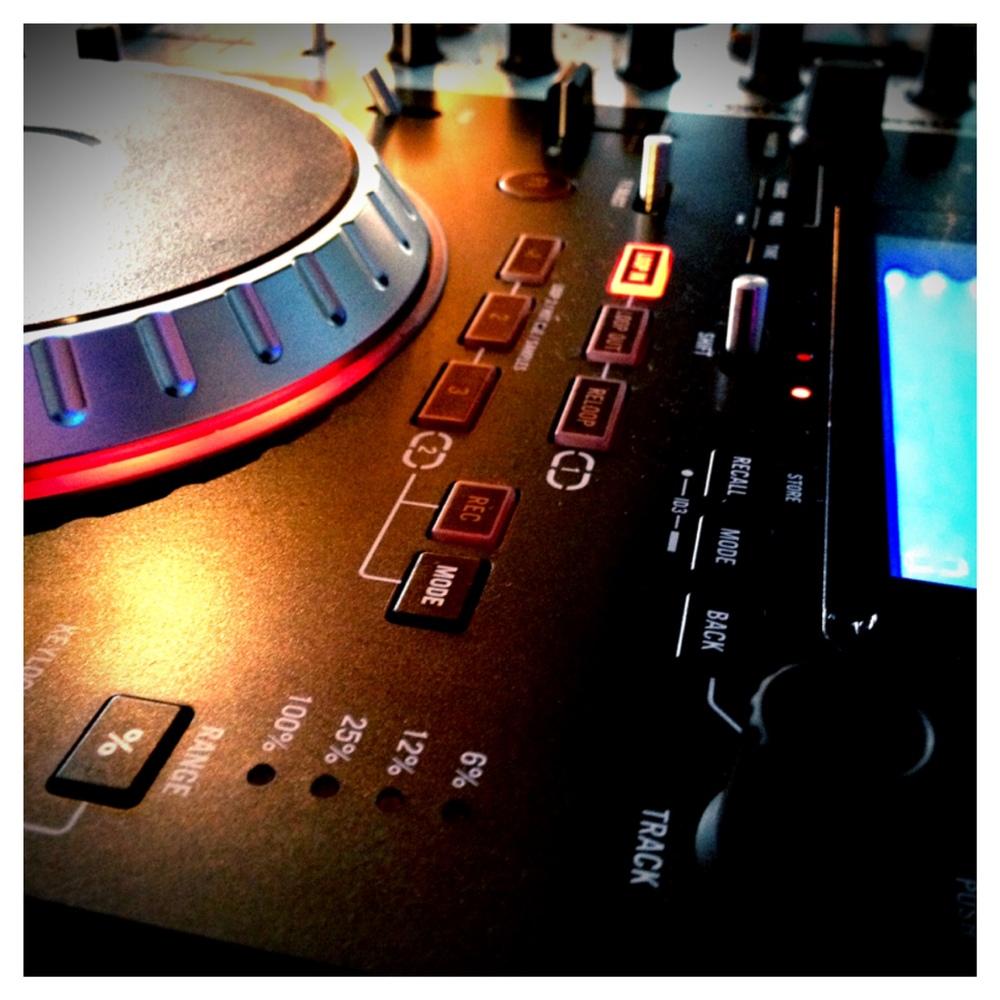 A Final Take DJ Sign_01.JPG