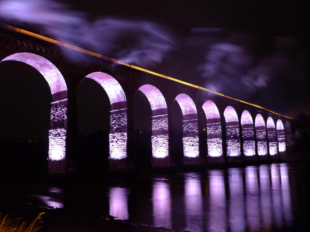Steam Train on the Royal Border Bridge.jpg