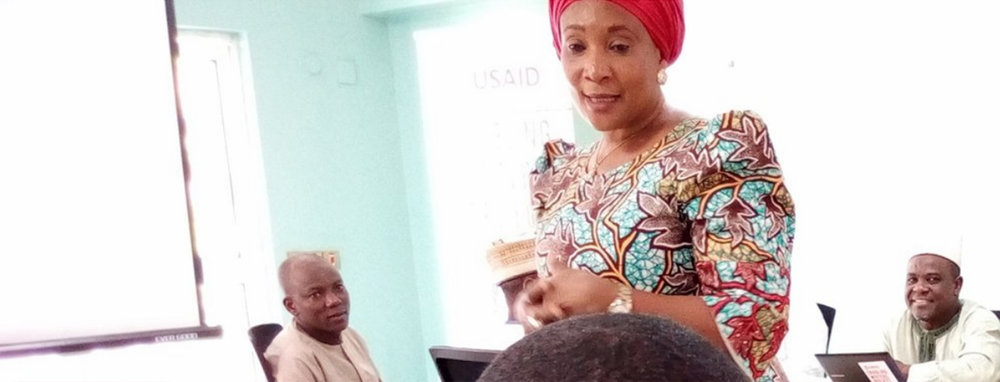 Dr. Grace Malgwi, EW Pedagogy Lead at American University Nigeria, conducting a training session on the Bloom book producing software