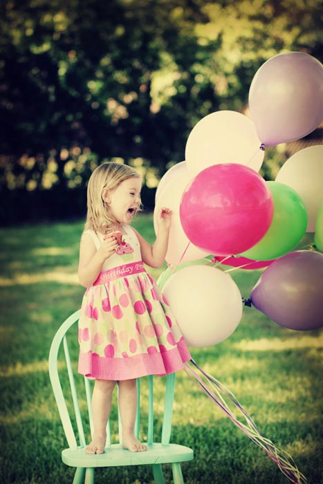 Kelly Olivares Photography Balloon Birthday Cupcake Session