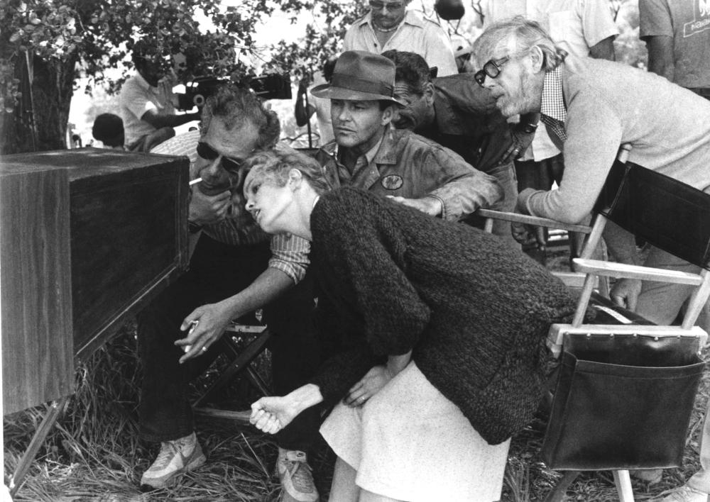 Rafelson, Nyskvist, Lange, & Nicholson check the shot on the set of The Postman Always Rings Twice (1981)