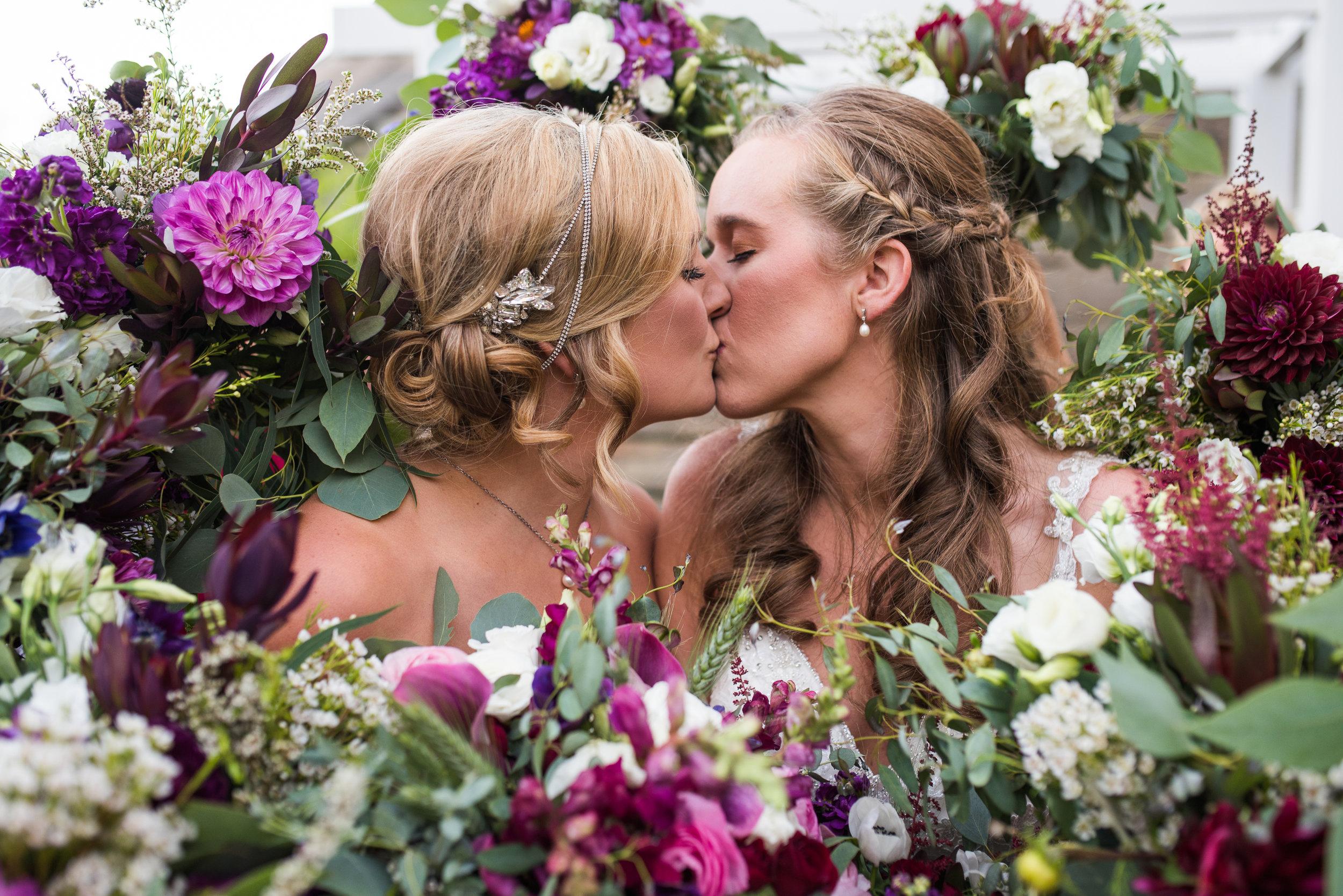 columbus wedding photographers brett loves elle photography