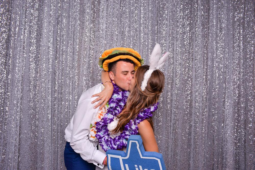 Amy + Ryan | Wedding Day | Aloha Booth | Wedding Day | Aloha Boo